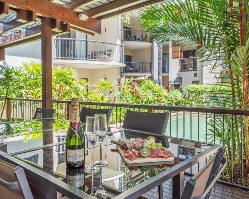 Bay-Villas-Resort_058_BV2-BBQ-Dining-II